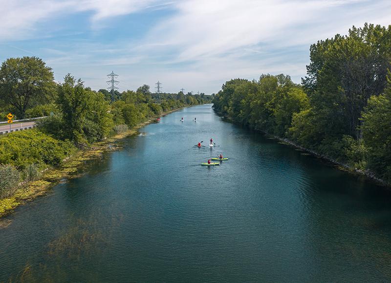Canal de soulanges SUP pagaie kayak eau nautisme